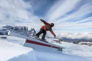 Snowboard al snow park King Laurin Alpe di Siusi